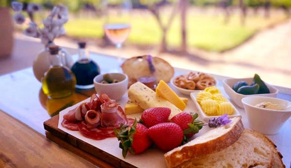 Exclusive: A Gourmet Platter and a Wine Tasting Experience for 2 People at Arra Vineyards, Stellenbosch!