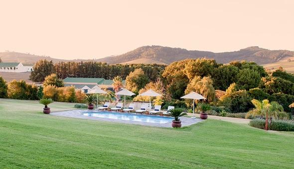 Luxury Getaway for 2 People, including Breakfast at Cultivar Guest Lodge, Stellenbosch Winelands!