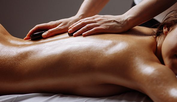 A 75-Minute Massage Experience at Lavender Thai & Chinese Massage, Sea Point! Thai Oil, Aromatherapy or Hot Stone Full Body Massage with a Reflexology Session.