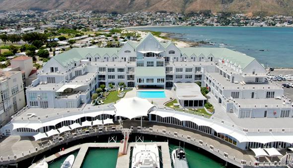 Luxury Getaway for 2 People, including Breakfast at the 4-Star Krystal Beach Hotel!